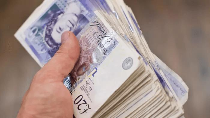 stack-pound-bills